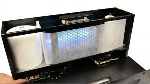 オゾン脱臭装置&自動巻取りフィルター内部